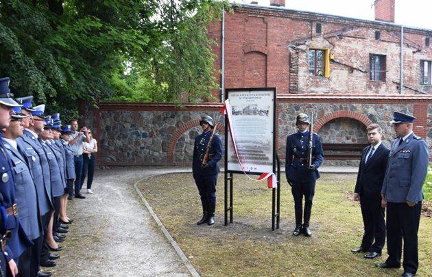 Pamiątkowa tablica w Parku Dittricha właśnie została odsłonięta