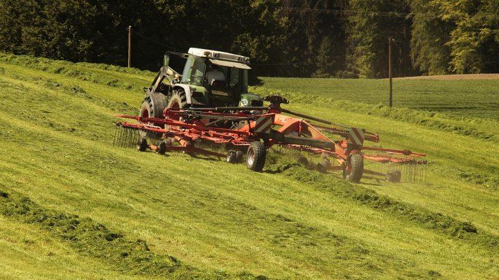 Jak wybierać części do maszyn rolniczych?